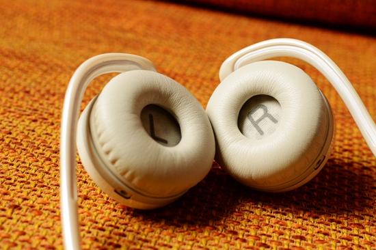 22 耳机左右标识.jpg