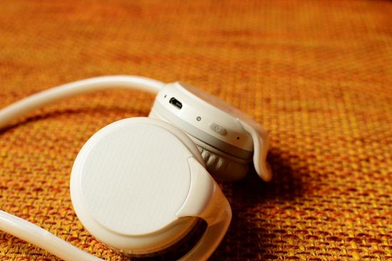 38 耳机试听.jpg