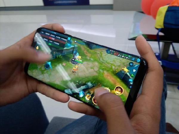 全面屏时代:买手机一定要关注屏幕这一指标-硬蛋资讯/