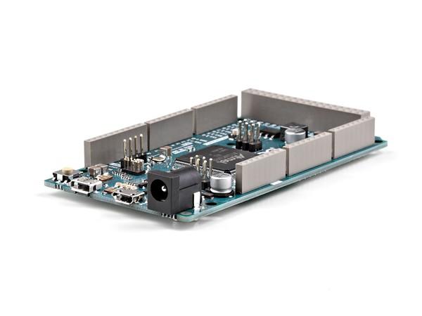 物理特性与盾板兼容性     arduino due pcb的最大长度和宽度分别为4