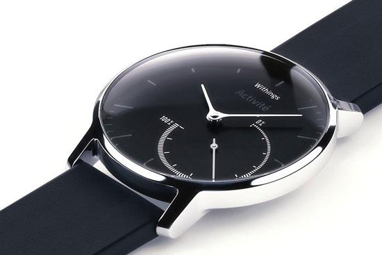 与其他一些智能手表相似,withings activite steel大表盘内套了一个小