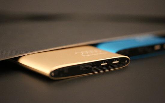 方舟--支持苹果接口的高容量移动电源