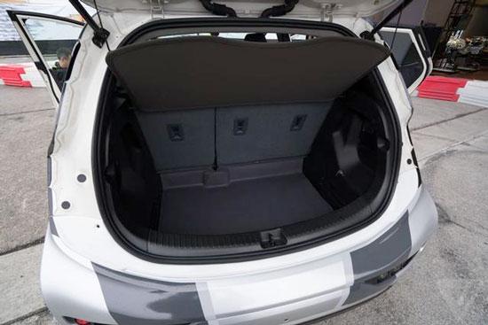 电动汽车雪佛兰Bolt 特点在于平凡高清图片