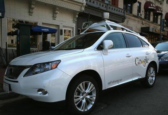 无人驾驶汽车撞上公共汽车 谷歌首次担责高清图片
