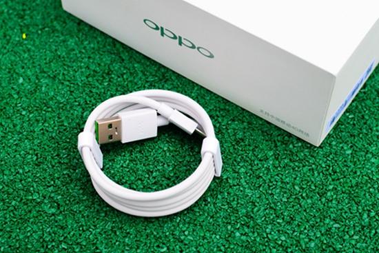 oppo r9的数据线依然是microusb制式