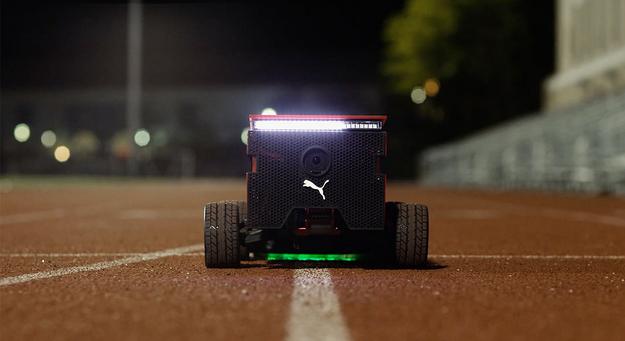 你见过这么高逼格陪跑机器人吗?