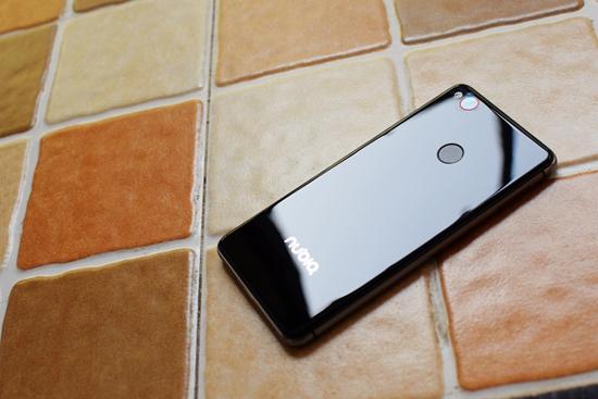小屏看世界,依旧精彩 Nbuia Z11 mini